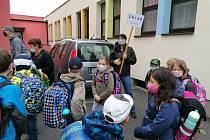Fantováčci opět v lavicích. Na nástup dětí do školy dne 25. května 2020 jsme se připravovali a těšili, škola bez žáků je totiž jako mlýn bez vody.