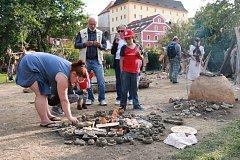 Navštívit můžete například středověkou kupeckou osadu v Pivovarské zahradě v Českém Krumlově.