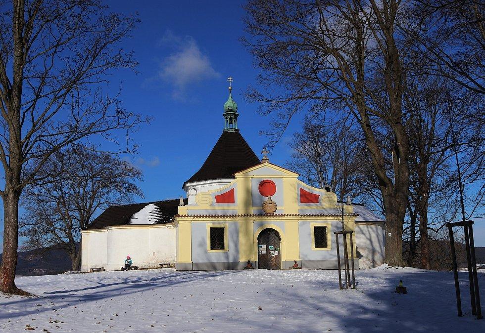 Osmiboká kaple nad Českým Krumlovem.