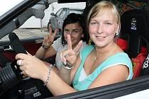 Martinu Daňhelovou a Martinu Zikmundovou (zprava) čeká v Třebíči třetí letošní start. Zatímco v Lužických horách dojely páté, tak v Kopné poprvé poznaly hořkost odstoupení.