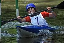 Anežka Paloudová (na snímku) skončila jak v olympijském sjezdu, tak i slalomu dvakrát čtvrtá, s vltavotýnskými Luňáčkovou a Koberovou navíc vybojovala bronzovou medaili v kategorii kajakářek.