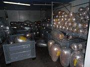 Celníci u Dolního Dvořiště provedli kontrolu nákladového prostoru vozidla a zadrželi potenciálně