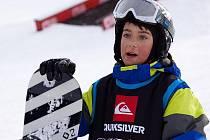 Devítiletý Ladislav Hrstka z Kaplice má o své budoucnosti jasno. Nejdříve by chtěl získávat poháry na prestižních závodech a poté by rád své zkušenosti předával dalším dětem coby instruktor snowboardingu.