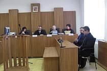 Po vynesení rozsudku. Zdeněk Zídek zproštěn obžaloby.