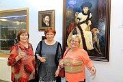 Obrazy výtvarnic Stelly Bauer z Malont  a Boženy Zímové z Kaplice, ale i Zuzany Kotisové z Českých Budějovic jsou vystaveny v Kaplici.