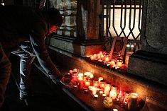 Krumlováci přišli zavzpomínat na 17. listopad a zapálit svíčku k portrétu Václava Havla.