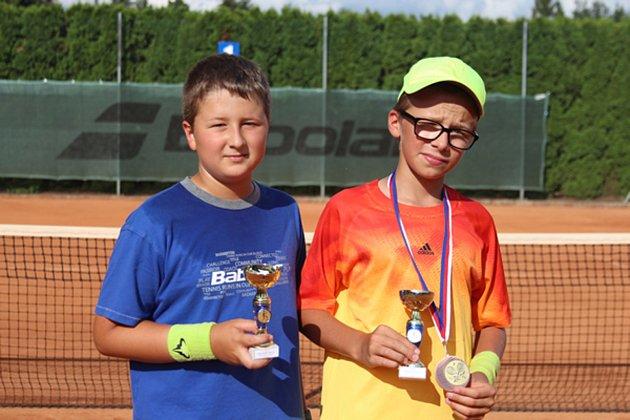 Mladí českokrumlovští tenisté slavili na turnaji veliký úspěch. Foto: Jan Bohdal