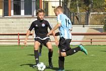 KP mladší žáci – 10. kolo: FK Spartak Kaplice (černé dresy) – TJ Blatná 4:1 (3:0).