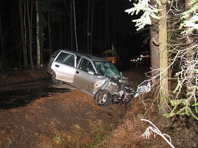 Nehoda opely mezi Chlumečkem a Brlohem měla tragické následky.