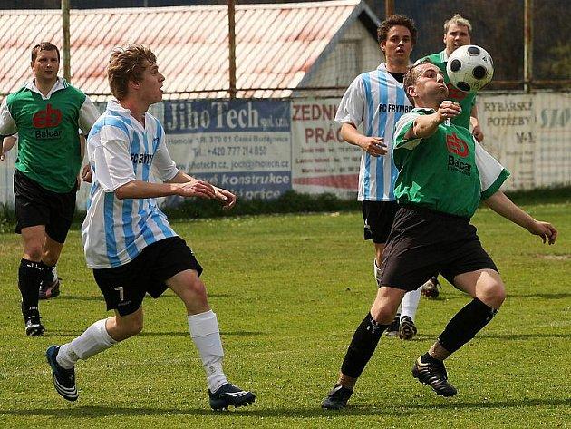 Fotbalové utkání A skupiny oblastní I. A třídy / FC Šumava Frymburk - TJ Smrčina Horní Planá 0:0.