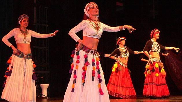 Přehlídka orientálních tanců.