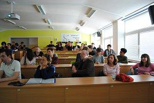 Projekt Erasmus: studenti vymýšlejí, jak do Českého Krumlova dostat turisty na více dnů.