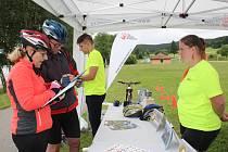 Preventivní akce policie a Týmu silniční bezpečnosti zaměřená na cyklisty v Přední Výtoni.
