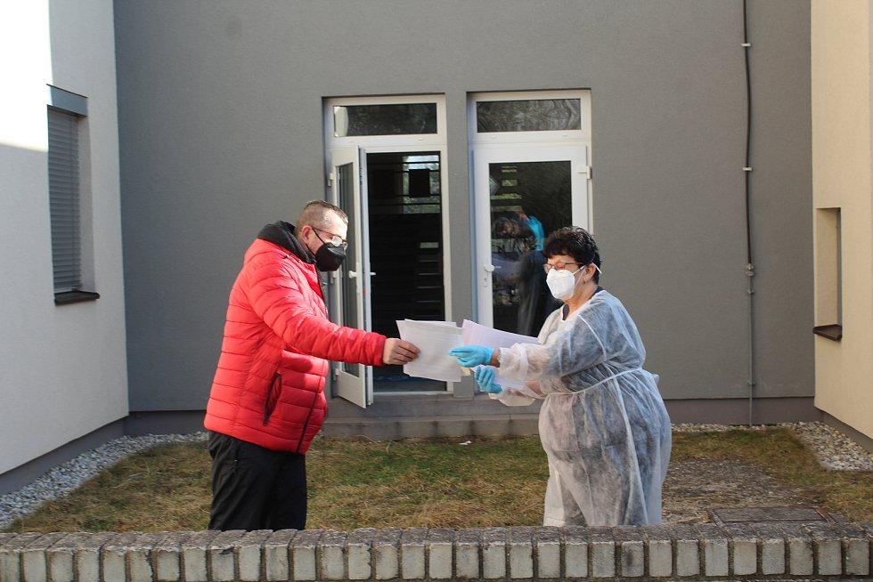 Antigenní testování v kaplické poliklinice.