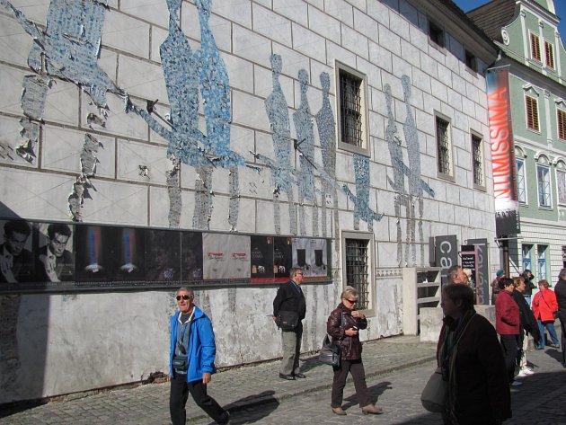 Patří do historického centra Krumlova taková výzdoba?