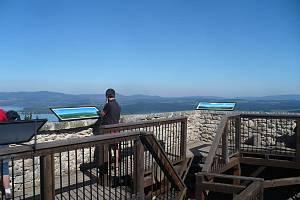 Věž Vítkova hrádku slouží jako rozhledna.