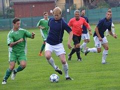 OP muži - 20. kolo: Hraničář Malonty (modré dresy) - Dynamo Vyšší Brod 3:0 (2:0).