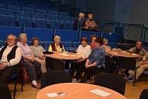 Charitní pečovatelská služba Velešín spolu s Kulturním a informačním centrem Velešín za finanční podpory Jihočeského kraje uspořádaly setkání seniorů.