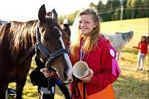 Kateřina Studená závodí v endurance, což jsou vytrvalostní dostihy, kde koně desítky kilometrů.