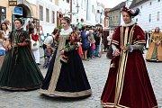Skvostnou podívanou poskytl hlavní sobotní průvod Slavností pětilisté růže v Českém Krumlově.