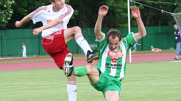 Ofenzivní obránce David Benc výrazně pomohl Slavoji k záchraně v KP.