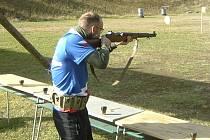 Nejzajímavějším účastníkem závodu Eggenberská puška byl střelec Petr Paul (na snímku), který představil originální druhoválečný  Garand M1 a sklízel potlesk všech přihlížejících.