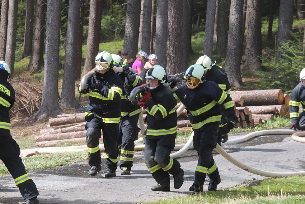 Cvičení IZS na sjezdovce na Lipně
