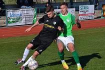 Ondrášovka KP muži – 20. kolo: FK Slavoj Český Krumlov (zelené dresy) – TJ Malše Roudné 4:4 (1:3).