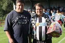 Dnes už bývalý jednatel kaplického fotbalového klubu Libor Stojan (na snímku vlevo) nabízí čtenářům Deníku svůj pohled na nedávné události v jihočeském družstvu.