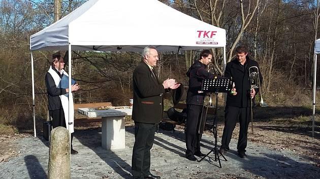 Svěcení kapličky v Rožnově u Hubenova.