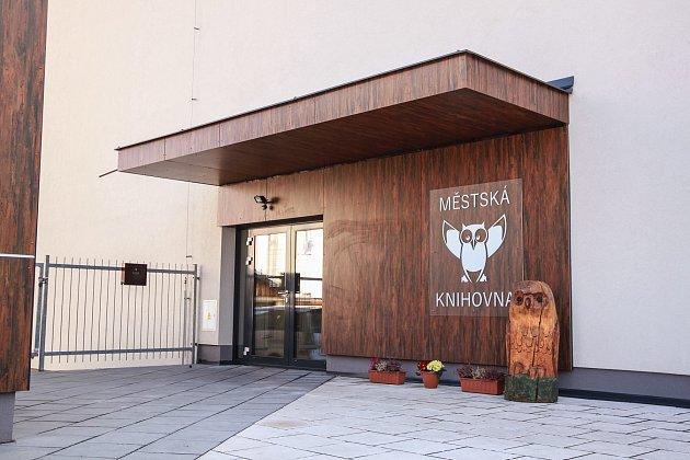 Nové prostory Městské knihovny v Kaplici vznikly v patře kulturního domu. Foto: Petr Skřivánek