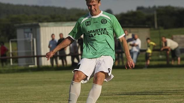 Hrdinou utkání se stal ofenzivní kaplický hráč Jan Smolen, který čtyřgólovou parádou nasměroval Spartak k třetí podzimní výhře.