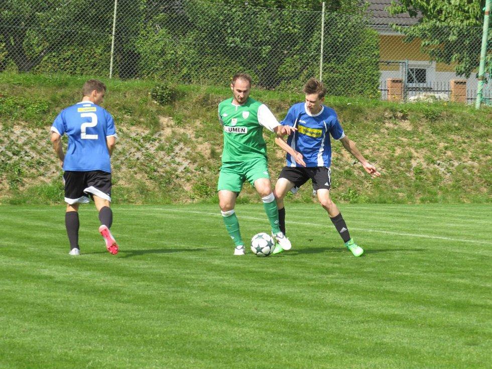 Oblastní I.B třída (skupina A) - 7. kolo (6. hrané). FK Boršov nad Vltavou (zelené dresy) - FK Spartak Kaplice 3:1 (1:0).