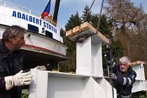 Jméno básníka Šumavy je už třetí, kterým se může plavidlo z roku 1967 pyšnit. Loď se před transportem na Lipno jmenovala Marksburg, ještě dříve Udine.