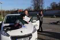 Sbírku na auto pro osobní asistenci pořádají pracovnice ICOS Český Krumlov. Ve středu 21. února bylo z 81 000 Kč vybráno 66 790 Kč, do cílové částky chybí něco málo přes 14 tisíc.