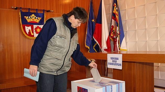K volebním urnám přišli voliči také v Kájově.