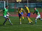 Fortuna Divize A - 21. kolo: FK Slavoj Český Krumlov (zelené dresy) - SK Senco Doubravka 0:1 (0:0).
