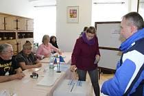 Volební sobota v Malšíně.