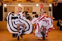 Ples velešínských hasičů se tradičně konal v sále U Zlaté podkovy.