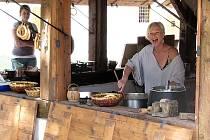 Českokrumlovský zámek připravuje pro turisty neustále různé novinky. Mezi ně patří například občerstvení v opraveném objektu bývalé kovárny.