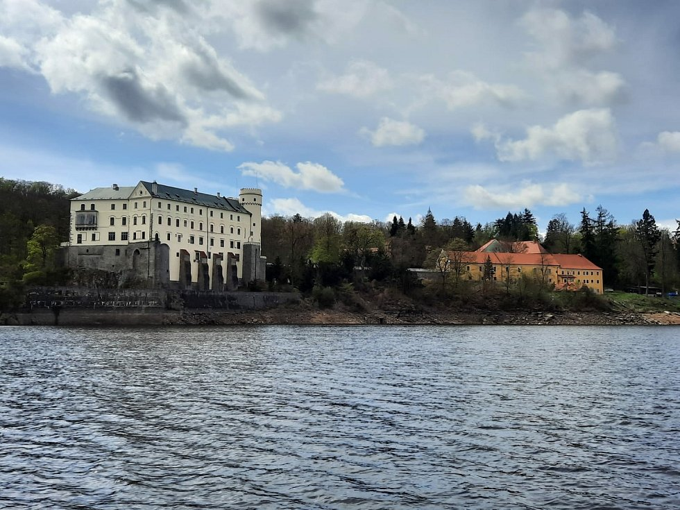 Po stopách vltavských plavců 2021: zámek Orlík.
