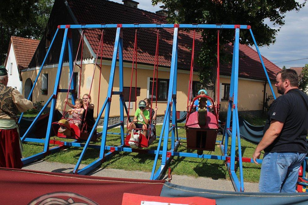 Staročeská pouť pobavila v sobotu návštěvníky Chlumu u Křemže.