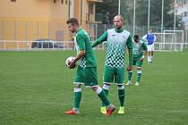 Českokrumlovští fotbalisté Zdeněk Kuna (vlevo) a David Růžička.