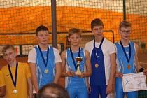 Jakub Janda na Strahově pomohl družstvu Sokola České Budějovice k triumfu v pětibojařské soutěži mladších žáků.