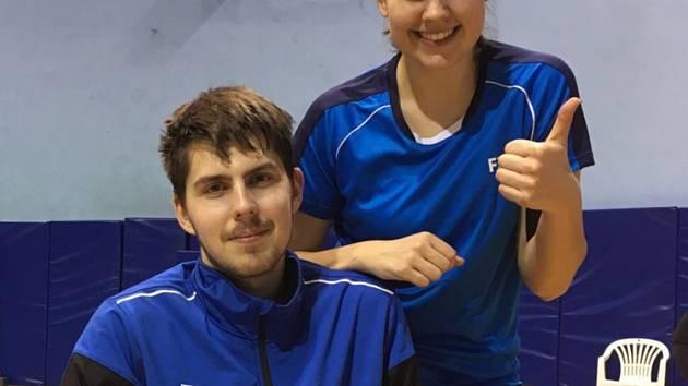 Krumlovský mix Jaromír Janáček a Sabina Milová se raduje z vynikající společné stříbrné medaile na chorvatském šampionátu.