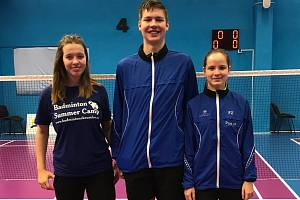 Krumlováci na MČR 2018 kategorie U17 v Brně – (zleva): Barbora Kortusová, Adam Ječmínek a Linda Šmikmátorová.