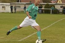 Hrající trenér krumlovského béčka Jaromír Štich byl po derby v Horní Plané maximálně spokojený.