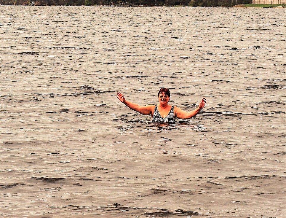 Voda byla studená.