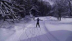 Na Lipně v pondělí vyjela rolba připravit běžecký okruh z Frymburka na Lipno přes Alpskou vyhlídku.