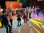Především nejmenším capartům byl určen maškarní ples, který připravil místní dům dětí a mládeže.
